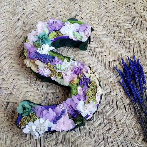 inicial de flores