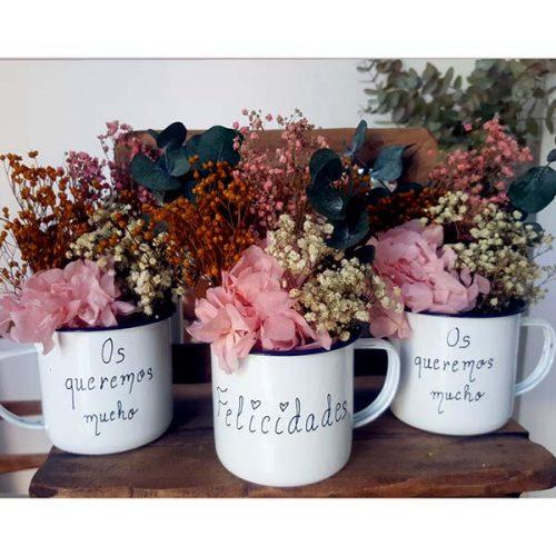 taza con flores mensaje personalizado