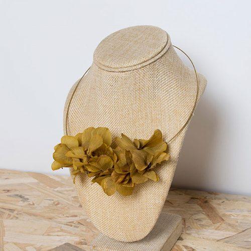 collar summer flores preservadas