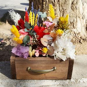 cajones con flores preservadas
