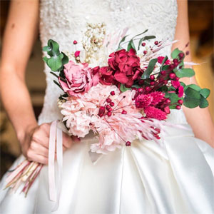 novia de verano ramo flores preservadas