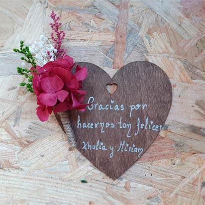 corazones madera personalizados con iman