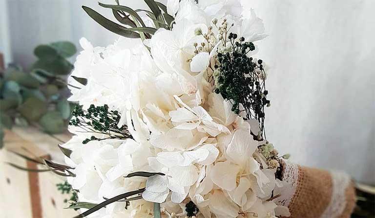 Ideas de ramos de novia con flores preservadas