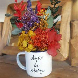 taza con flores preservadas amor de sobrina