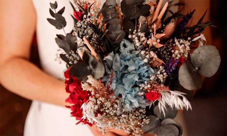 El ramo de novia silvestre de Laura