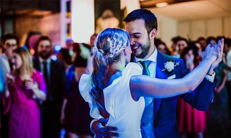 baile de los novios en la boda