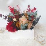 cajón de flores preservadas