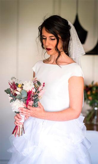 preciosa novia con ramo
