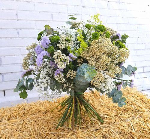 Ramo bari de flores silvestres y tono neutro