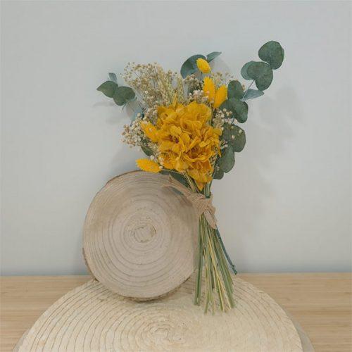 ramillete Amybeth con flores