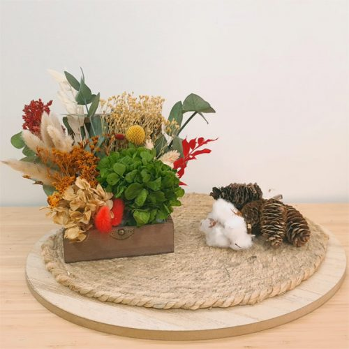 centro hud de flores preservadas para navidad