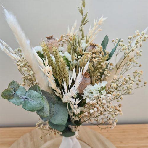 detalle de ramillete cotton de flores preservadas