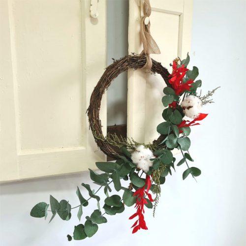 corona de eucalipto de Navidad