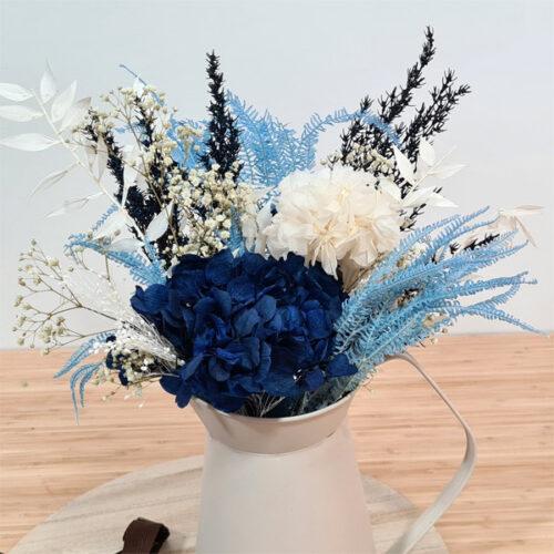 jarra decorativa con flores