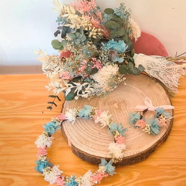 conjunto de flores preservadas